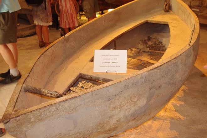 Ferrocement boot Joseph Louis Lambot 1848 Wikimedia