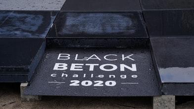 Uitdaging zwart beton