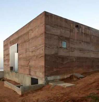Paviljoen energiezuinig door massa en natuurlijke koeling