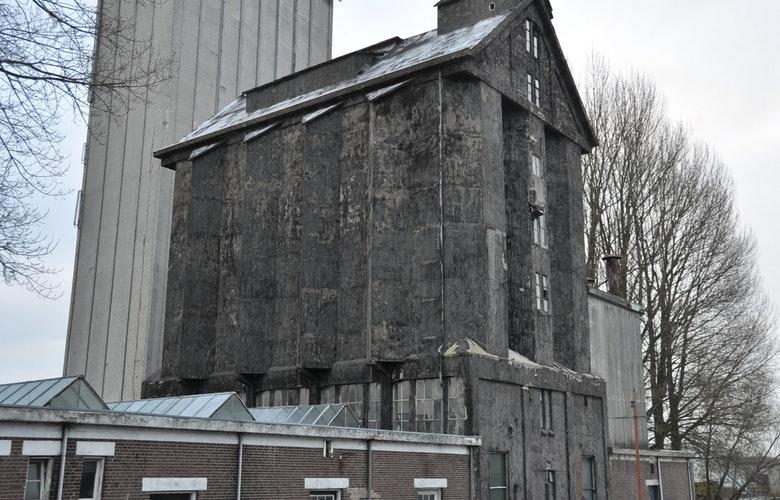 Foto BO Ei zwarte silo 250112 41